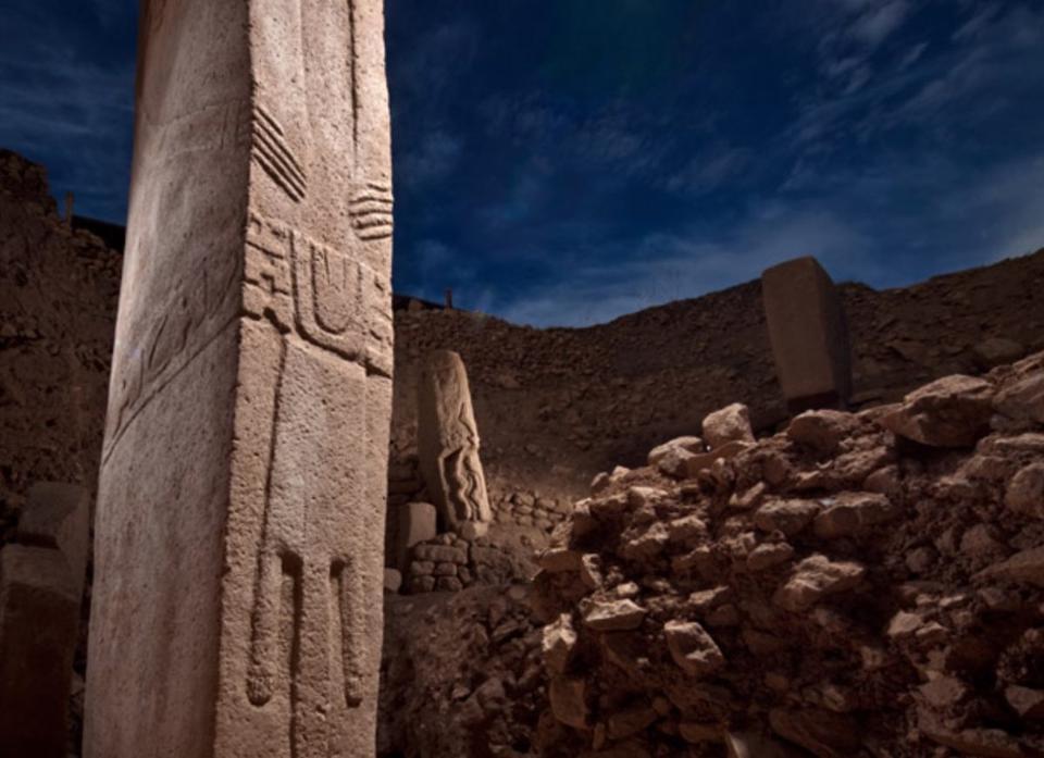 stone pillars, gobekli tepe, world's oldest temple